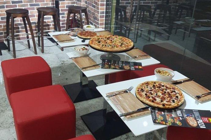 Ташир пицца в ТЦ Небо