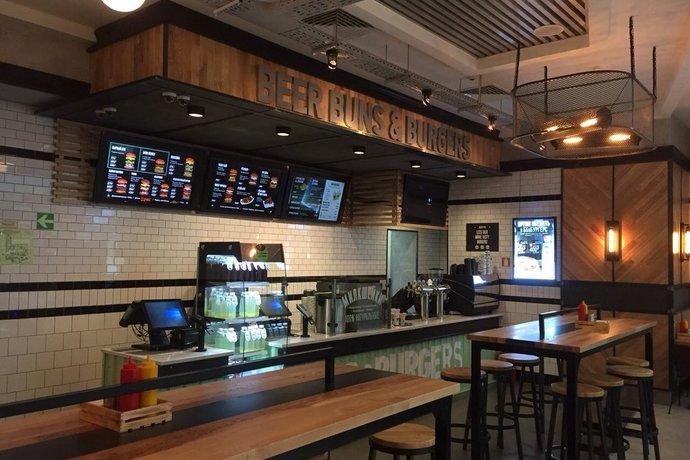 BB&Burgers в ТРЦ «Галерея»