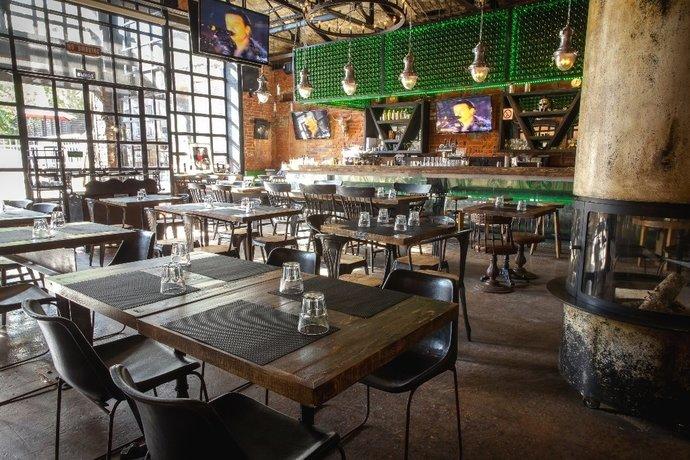 Blacksmith Irish Pub на Рочдельской